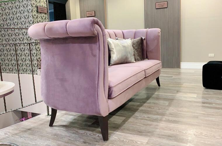 鬱金香三人沙發,非常適合在奢華風格的設計裡面做呼應的搭配。