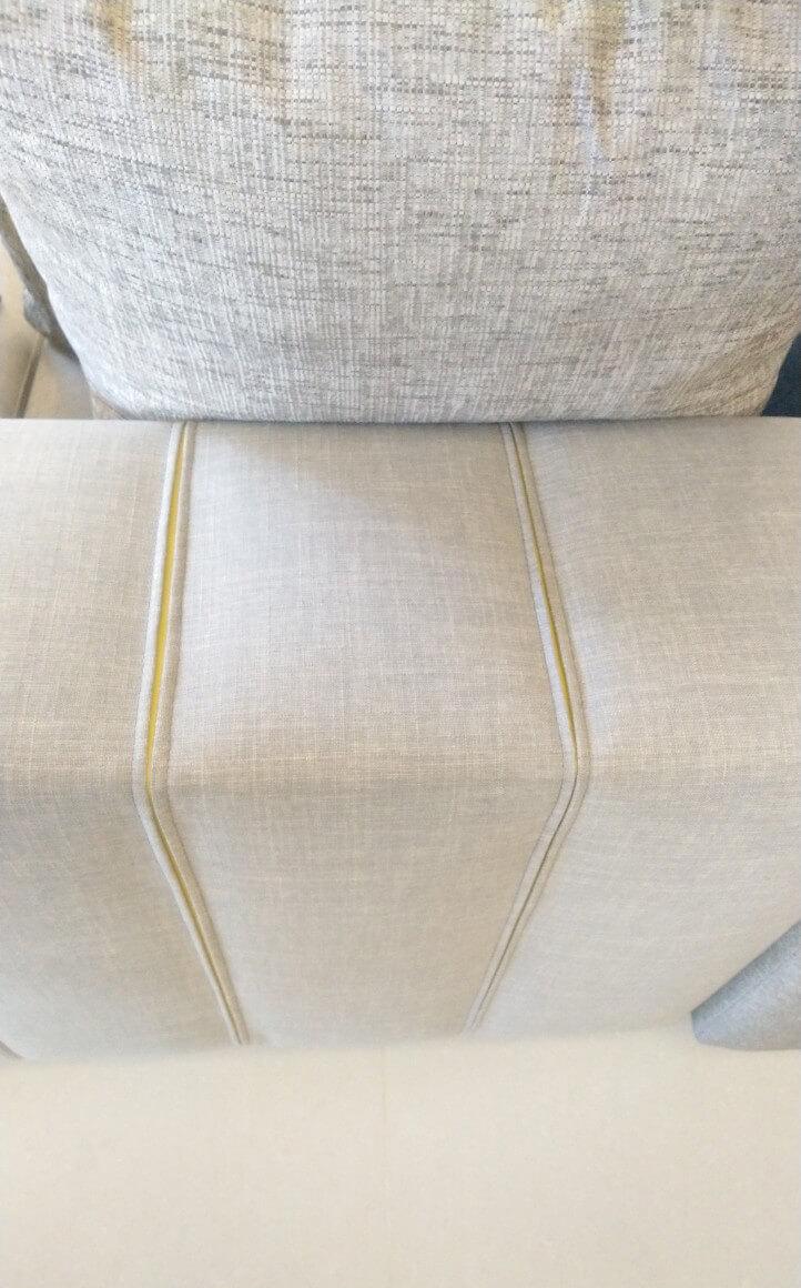 就如我們前面所講的,這組手工沙發內涵非常的豐富。
